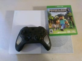 Xbox 1s with controller & game~All Info in Post