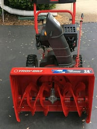 red and black Troy-Bilt snow blower Chantilly, 20151