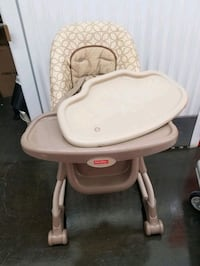 Baby high chair no room for it Brampton, L6T 5T2