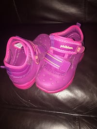 pair of pink Nike Air Max shoes 2398 mi