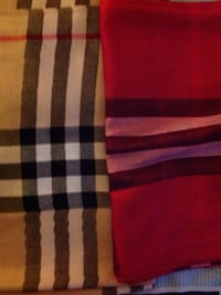 Burberry scarf. SELLING CHEAP BEST OFFER Toronto