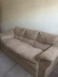 Beige fabric 3-seat sofa Richmond Hill, L4B 4L5