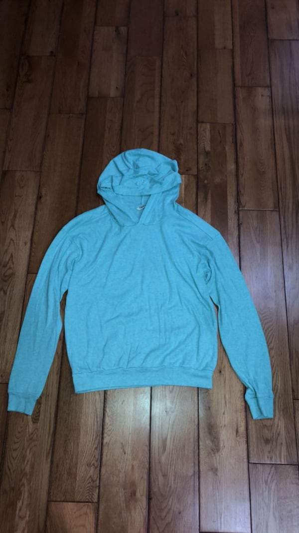 tna sweater 491f8331-df65-4ef6-b7ce-aec766a6ae99
