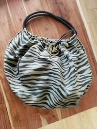 Micheal Kors purse for sale Laval, H7X 0A1