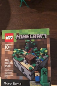 LEGO Minecraft Micro World (collectible) New York, 11357