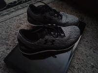 HH, running shoes size 7 Red Deer, T4P 1M1