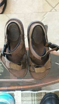 pair of brown leather sandals Antioch, 60002