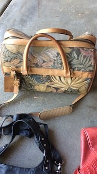 19' Boyt leather and tweed and leather duffle Bag $75.00 2337 mi