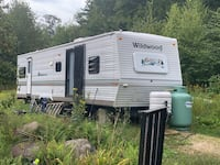 2003 wildwood tow behind camper in great shape