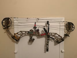 PSE Hammer Compound Bow.
