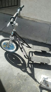 black and gray skatecycle