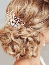 Pearl and crystal hair comb  Brampton, L6Z 0B4