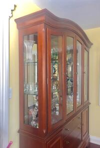 China Display cabinet, very heavy, high quality made by Thomasville . Christmas is coming, make the living room brighter,  Oakville, L6H 7J4