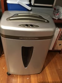 Staples Micro Cut Security paper shredder Vienna, 22180
