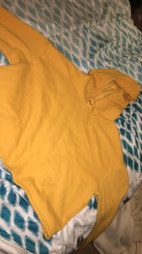 Yellow cropped  pullover hoodie Halifax, B4B 1T7