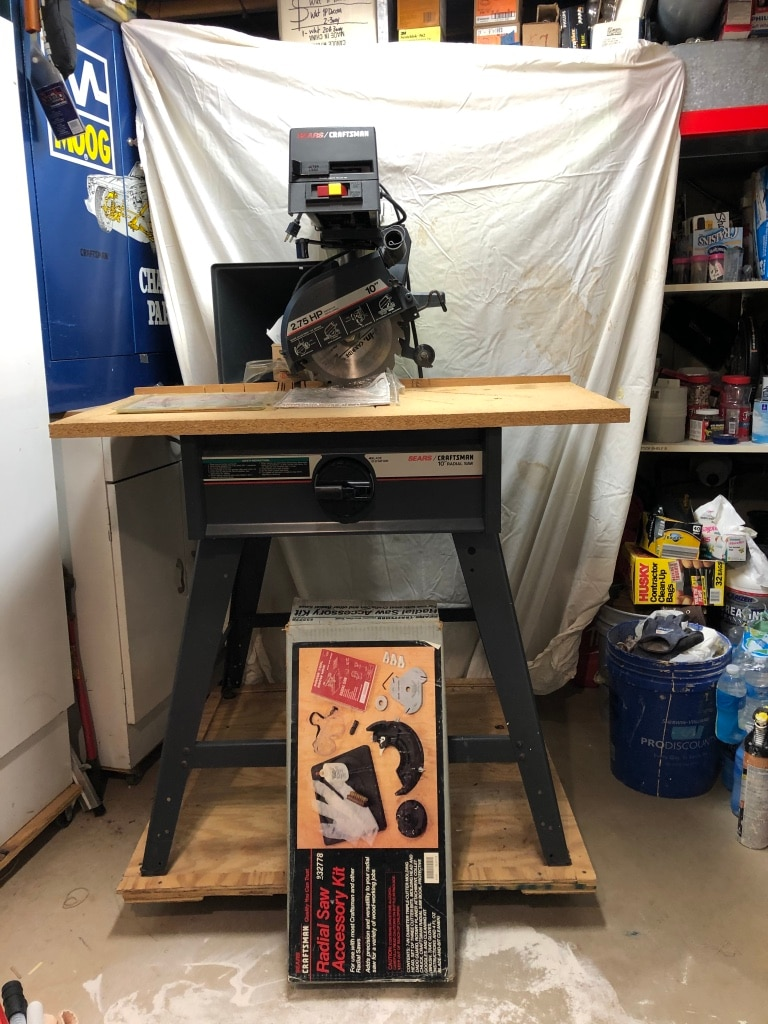 Photo Craftsman 10-inch Radial Saw with leg set & accessory kit
