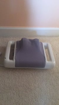 Neck massager like new just used twice  Laurel
