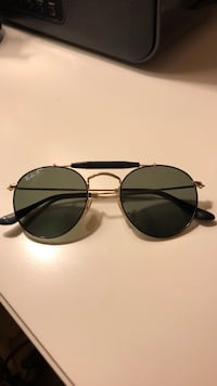 Polarized Ray Bans with case Ridgefield, 06877