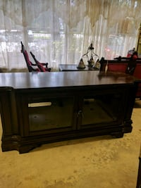 Beautiful tv cabinet with storage on each side of  Seffner, 33584