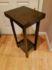 Tall side table Rockville, 20850