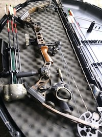 Mathews solocam compound bow comes with everything you see for $350 Mercer, 16137