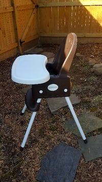 Graco SimpleSwitch High Chair - Linus Arlington