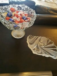 Pedestal Bowl centerpiece and small dish