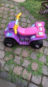toddler's pink and purple ride on toy Falls Church, 22042