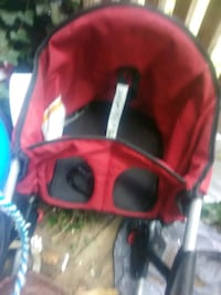 red and black car seat carrier Staunton, 24401