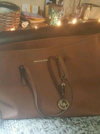 Authentic Micheal Kors Large Hand Bag  Springfield, 65802