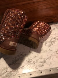 Pair of brown ugg boots 7 Raleigh, 27615