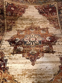 Beautiful area rug, size 8 feet by 10.5 feet 22 km