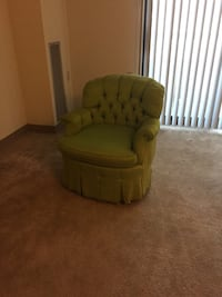 Round shaped tufted chair with pleats 384 mi