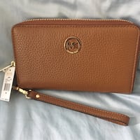 NWT Michael Kors Fulton Luggage Leather LG Flat MF Phone Case Wristlet  Surrey, V3R