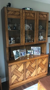 2-piece hutch in mahogany Downers Grove, 60516