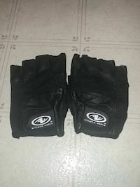 pair of black Athletic Works fingerless gloves Federal Way, 98023