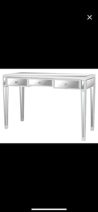 White wooden single-pedestal desk Bensville, 20695