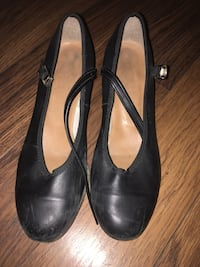 LEATHER TAP SHOE SIZE 6 barely worn Kelowna, V1Y 9W1