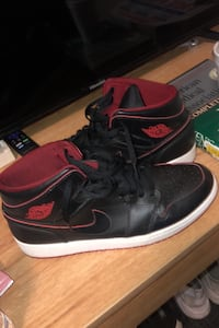 "Air Jordan mid 1 ""bred"" Fairfax, 22030"