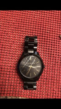 round black chronograph watch with link bracelet Alexandria, 22304