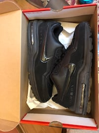 Pair of black nike air max shoes Hickory Hills, 60457