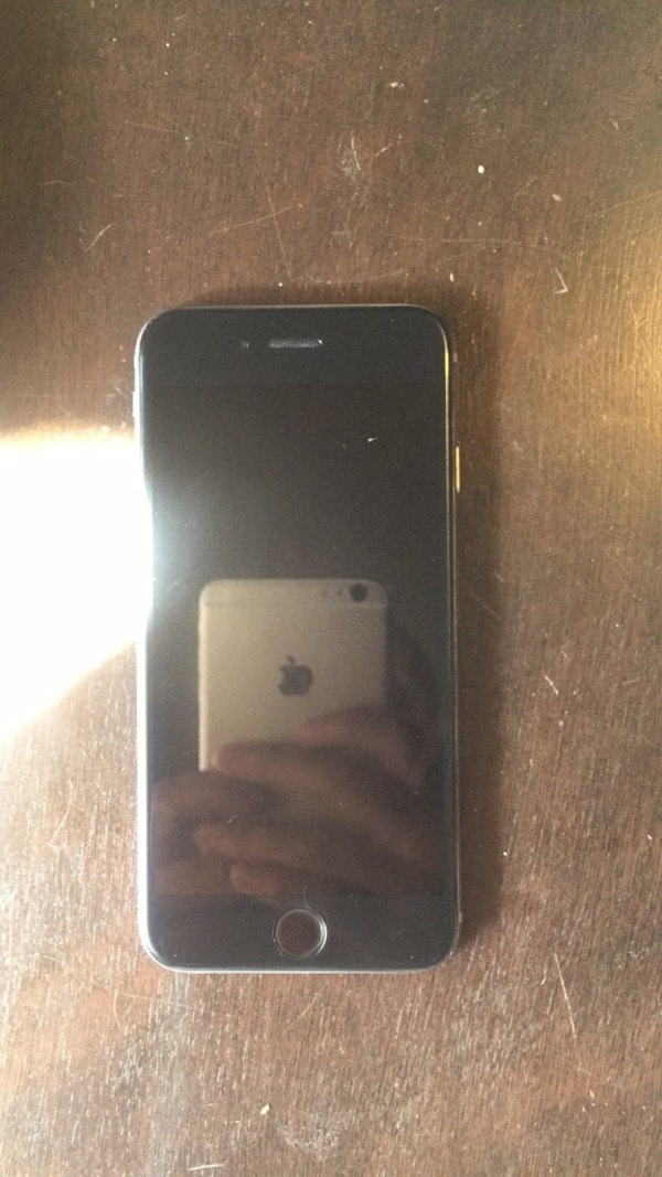 Black iPhone 6 mint condition