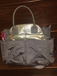 Skip hop diaper bag bought for 130$ barley used Edmonton, T5X