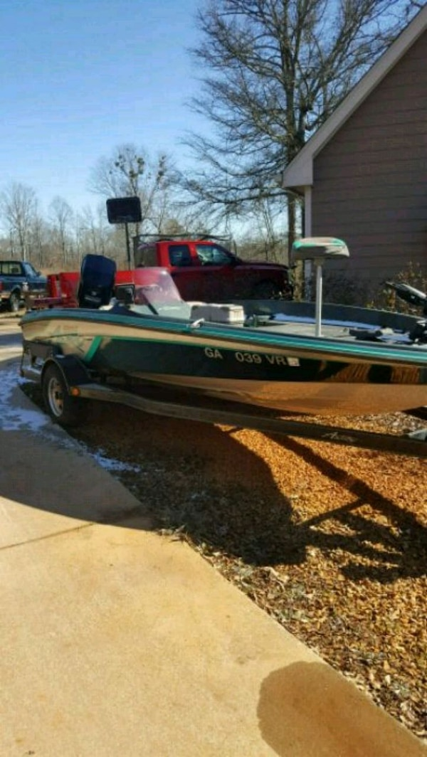 93 Astro bass boat 18.5 ft