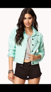 New mint Jean jacket size medium Nokomis, 34275