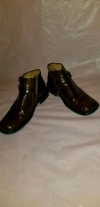 Men's brown leather side-zip boots, size 11 Springfield, 01109