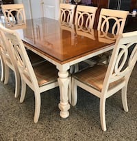 Dinning table with 8 chairs Great Neck, 11024