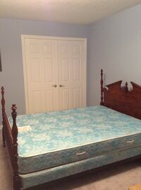 Cherry wood Queen size bed Markham, L6C 1V3