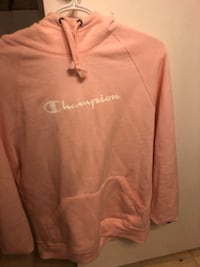 Brand new champion sweater Cambridge, N1R 6G1
