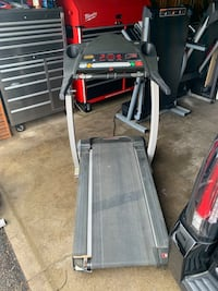 PRO-FORM 530x treadmill in good works conditions in shakopee